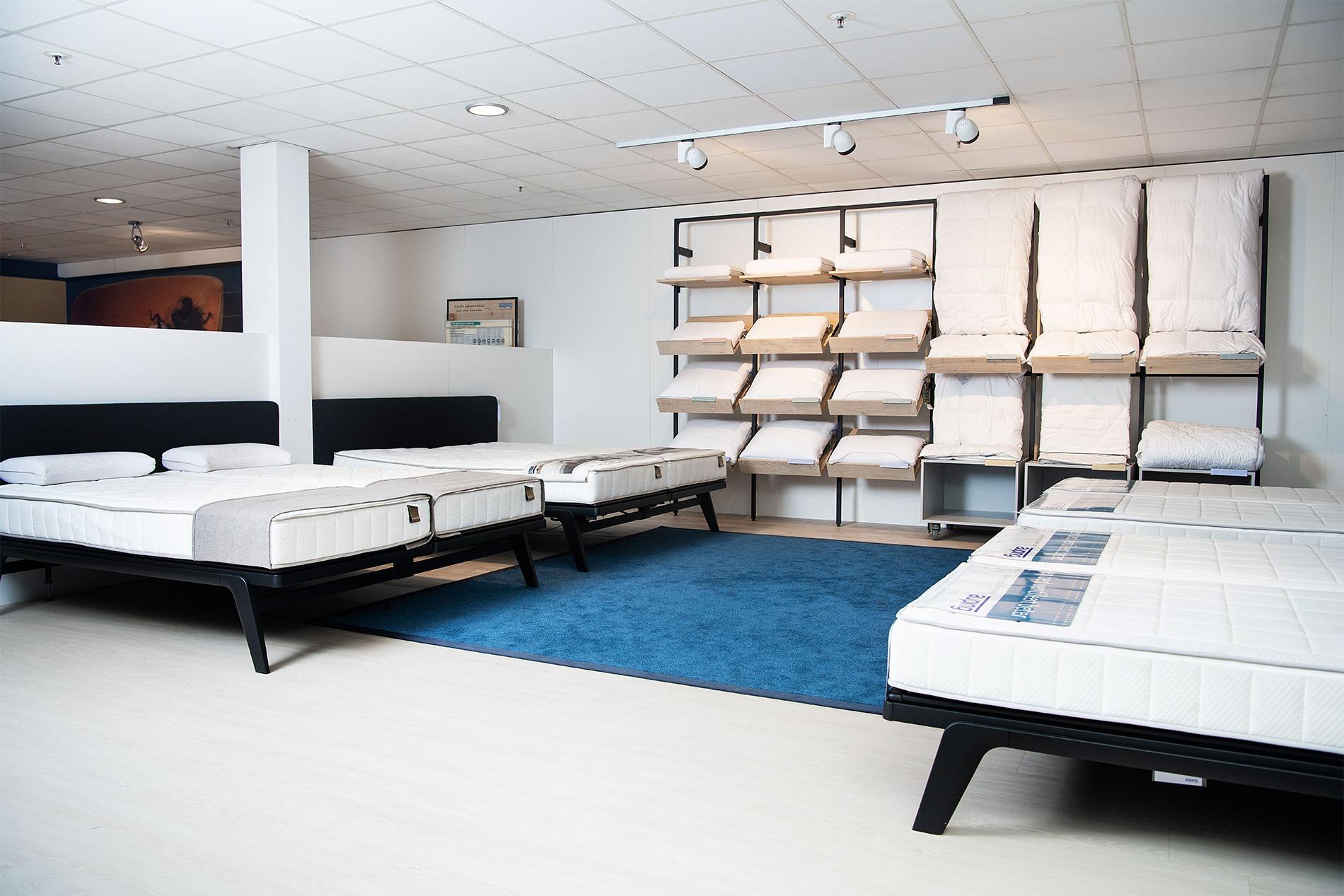 Proefliggen op Auping matrassen bij beddenwinkel Groningen