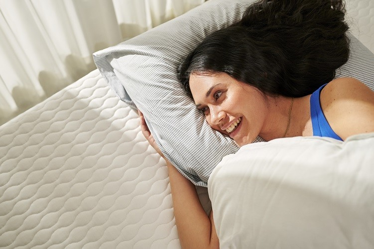 slapen op circulair matras van auping