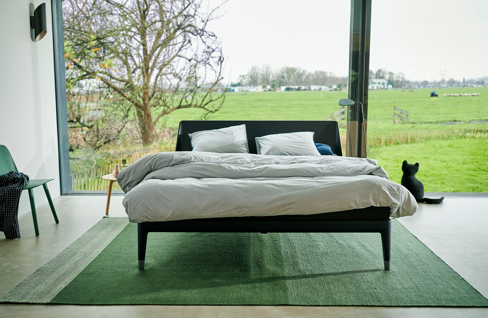 essential bed auping