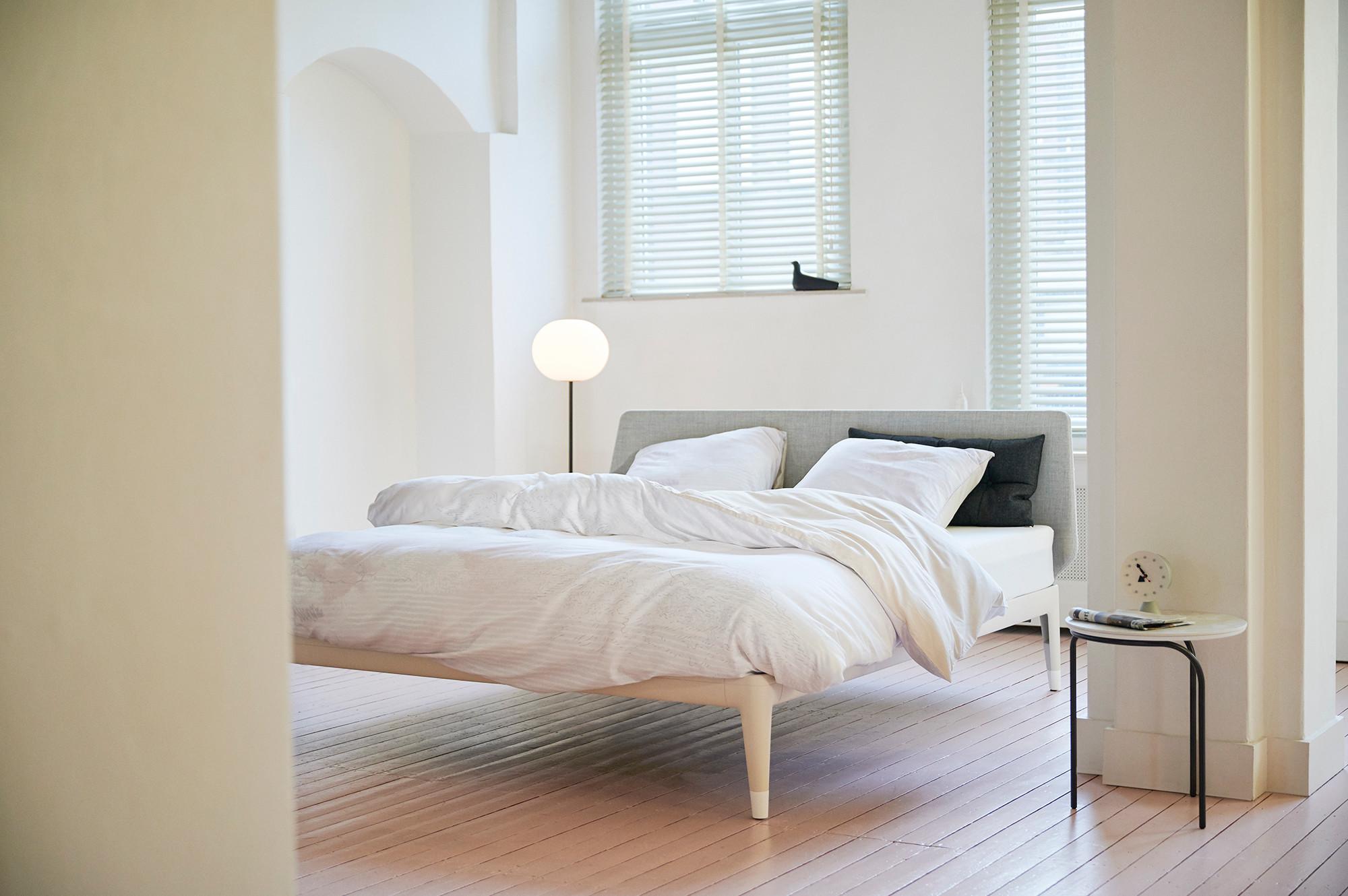essential bed beige