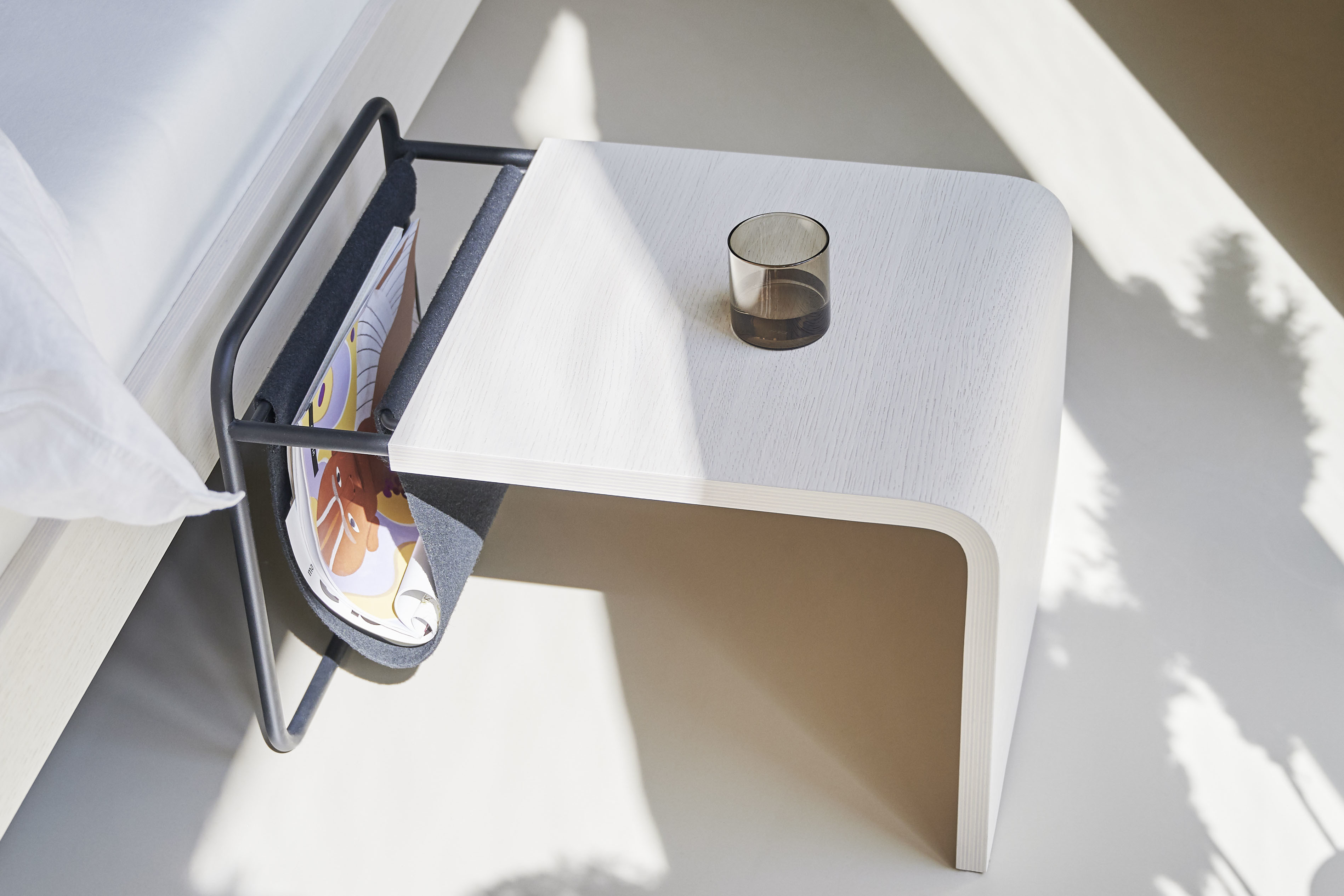 table for noa bed