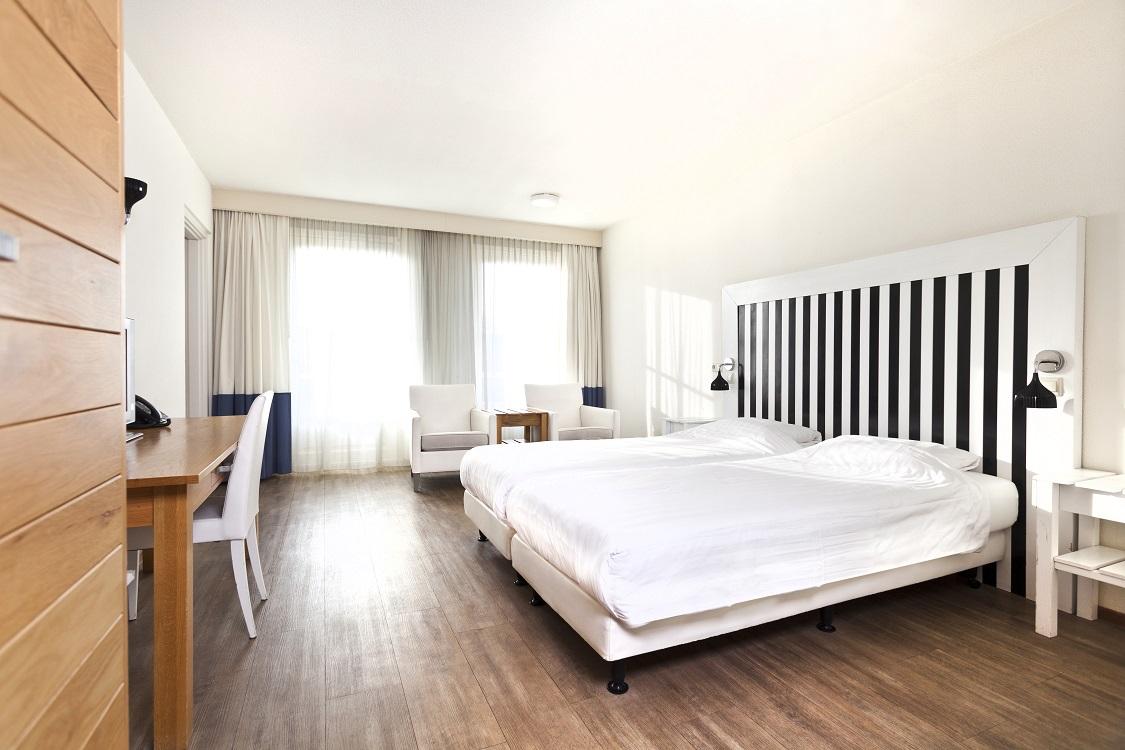 Apparthotel bommelj hotels zeeland auping for Design hotel zeeland
