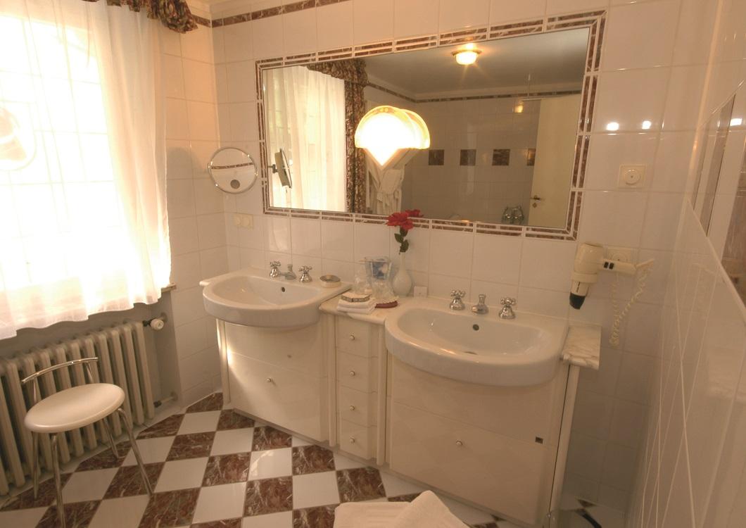 Badkamer Story Hotel : Schlafen lloyd hotel