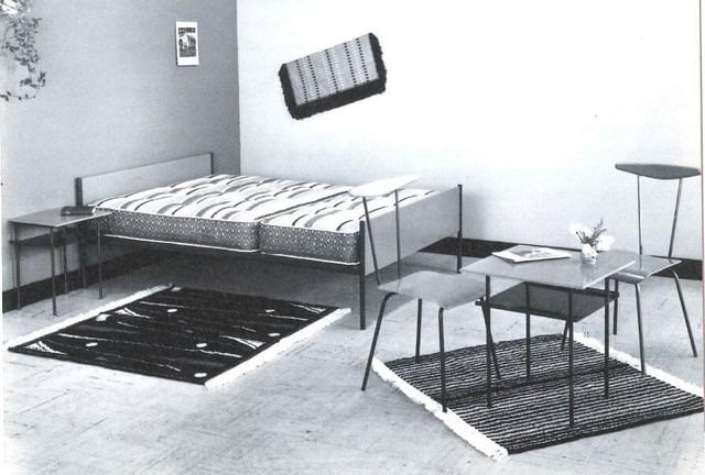 1955 Auping tafeltjes en stoeltjes ontworpen door Wim Rietveld